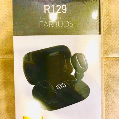 r129-earbuds-1